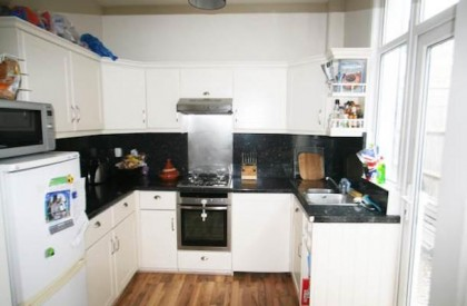Hazelbourne Road, Clapham South, SW12 £1700 pcm